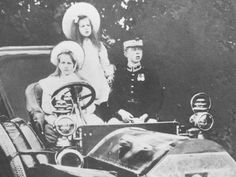 Elisabeth with Mignon and Carol Princess Alexandra, Princess Beatrice, Prince And Princess, Princess Victoria, Queen Victoria, Romanian Royal Family, Young Prince, Rare Pictures, Royal Weddings
