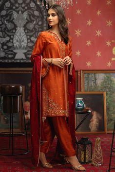 Party Wear Indian Dresses, Pakistani Fashion Party Wear, Pakistani Formal Dresses, Pakistani Wedding Outfits, Pakistani Couture, Pakistani Bridal Wear, Dress Indian Style, Pakistani Dress Design, Pakistani Kurta