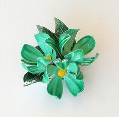 Vintage Flower Pin 1960s FLOWER POWER Green Enamel by retrogroovie