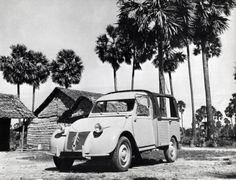Citroën 2CV AZU. (open bestel eend), jaartal en plaats niet vermeld.