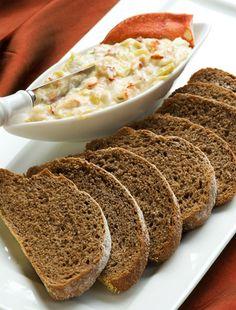 Simple Pumpernickel Bread with Lobster Artichoke Dip