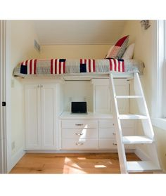 Great use of space for a kids/teen bedroom