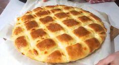Υλικά Αλεύρι σίτου 500 g Γάλα 300 ml Ζάχαρη 25 g 1 Μαγιά 5 g Αλάτι Βούτυρο 80 g Αυγό 2 Μότσαρελα 200 g Εκτέλεση 1. Αναμίξτε σε ένα βαθύ δοχείο 250 ml ζεστό γάλα, τη ζάχαρη και τη μαγιά. Ξεχωριστά, κτυπήστε το ένα Bakery, Pizza, Gluten Free, Cooking, Desserts, Breads, Deserts, Brot, Glutenfree
