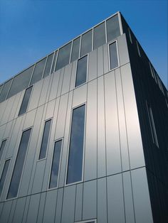 The high-performance wall system offers an array of cladding options. Rainscreen Cladding, Steel Cladding, External Cladding, Cladding Systems, Insulated Panels, Metal Panels, Corrugated Metal, Building Facade, Construction