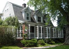 The Mill House Inn, an East Hampton bed and breakfast on Long Island, New York. Beautiful...and dog friendly!