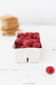 Raspberries are one of the best foods for weight loss. Full list of weight loss foods - see inside