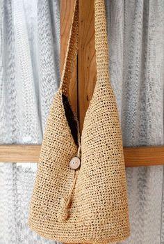 Discover thousands of images about bolsas de rafia paso a paso estilo playero Crochet Designs, Knitting Designs, Crochet Patterns, Crochet Chart, Knit Crochet, Fabric Handbags, Crochet Purses, Summer Bags, Knitted Bags