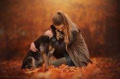 66 Ideas For Dogs Pictures With Owners Puppys - PhotographyArt - Hunde Fall Senior Pictures, Fall Pictures, Fall Photos, Dog Pictures, Senior Pics, Autumn Photography, Animal Photography, Photography Poses, Foto Fantasy