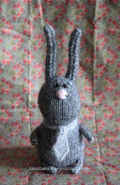 Gray rabbit. NO pattern, just made me smile. Love his tie! Just brilliant creativity. xox