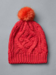 Cable knit pom-pom beanie Product Image