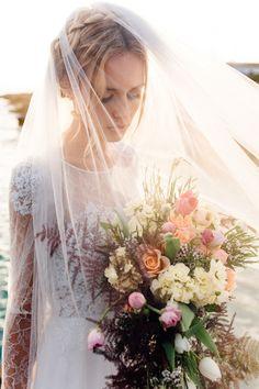 Drop veil  Something Blue – Wedding Photography | see more on: http://burnettsboards.com/2015/07/destination-wedding-mallorca-start-finish/