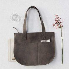 a529db19023 handtas Dream Team | bigger bags | grote tas | dames tas | mode accessoires