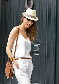 #streetstyle. Total white outfit. Summer ideas. Summer outfits. Summer looks. Borsalino. Street Style  The Highville