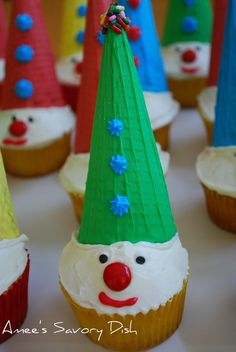 Amee's Savory Dish: Carnival Clown Cupcakes- Fun for kids The sugar cones i bought were way too big for the cupcakes :(