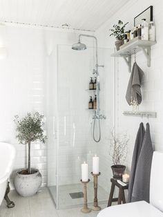 50 Ideas For Bathroom Bathtub Vintage Interior Design Cleaning Bathroom Mold, Mold In Bathroom, Bathroom Floor Tiles, Bathroom Wall Decor, Bathroom Shower Curtains, Small Bathroom, Bathroom Ideas, Bathroom Stuff, Bathroom Lighting