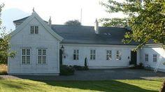 Kaupanger hovedgård, Strondi 2, 6854 Kaupanger, Norway