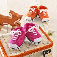 Tricotez les premières baskets de Bébé