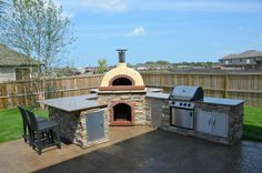 Kijiji: Outdoor Pizza Ovens...this one...I want !!!