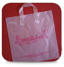 Bolsa de plástico con asa cinta