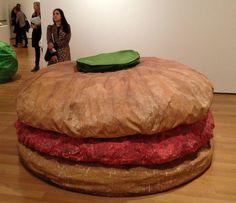 Claes Oldenburg, Floor Burger, 1962