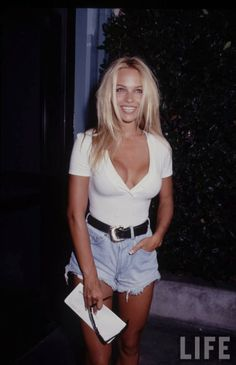 Damn You Look Good Daily: Vintage Fashion-Pamela Anderson-90's