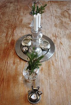 simple christmas table decor
