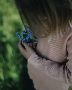 Delicate, soft and gentle - our Basic Collection made of soft organic cotton is gentle to the skin and ideal for kids with allergies 💙 📷 @ourlifeinthealps #matona #sustainablefashion #slowfashion #ethicalbrand #fairfashion #slowfashionmovement #ethicallymade #lessismore #basics #organiccotton #childrenunderwear #biokinderkleidung #kidswear #basicsbymatona #minimalistkids
