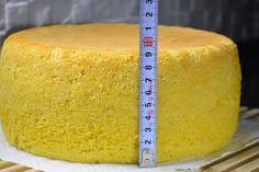 "Un desert frumos și incredibil de gustos: tort polonez ""Pani Walewska"" - Bucatarul Romanian Food, Russian Recipes, Sponge Cake, No Bake Cake, Cornbread, Vanilla Cake, Bakery, Cheesecake, Deserts"