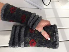 Mitten Gloves, Mittens, Stick O, Fingerless Gloves, Arm Warmers, Loom, Knit Crochet, Arts And Crafts, Knitting