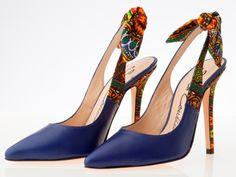 Nous avons repéré ces chaussures personnalisés en tissu pagne. Classes,  chics, élégantes et uniques! Source  Blackeuse