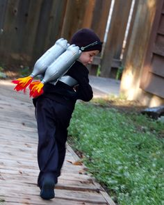 If I ever needed a jet pack for a Halloween costume now i know how