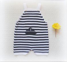 Baby Sweater Knitting Pattern, Baby Knitting, Crochet Bebe, Knit Crochet, Newborn Outfits, Kids Outfits, Baby L, Baby Dress Patterns, Newborn Crochet