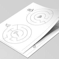 Disse 8 labyrinter er på absolut begynder niveau, og er bl.a. en god øvelse i at holde på blyanten og tegne indenfor stregerne. Og så er det helt oplagt til slut, at farvelægge de sjove motiver. Printer, Playing Cards, Printers, Playing Card Games, Game Cards, Playing Card