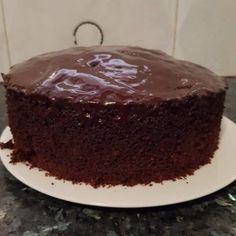 עוגת שוקולד גבוהה ואוורירית - מתכונים מתוקים