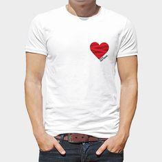 """Camiseta Gay Heart Rebelde (17,95€)  Camiseta blanca 100% algodón con diseño exclusivo """"Heart Rebelde"""" dentro de la Colección """"Corazones y plumas"""" ¿Y tú? ¿De qué tienes relleno el corazón?"""