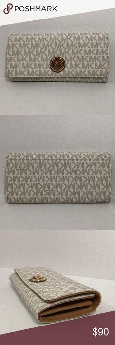 90eb18cce23c Michael Kors white logo wallet Brand new Michael Kors logo wallet (fulton  vanilla/acorn
