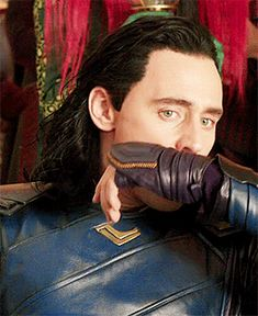 Tom Hiddleston as Loki Loki Thor, Loki Avengers, Loki Laufeyson, Marvel Avengers, Marvel Comics, Marvel Memes, Thomas William Hiddleston, Tom Hiddleston Loki, Loki Aesthetic