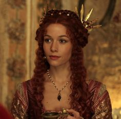 Medici: Masters of Florence Renaissance Hairstyles, Renaissance Dresses, Medieval Clothing, Historical Clothing, Medici Masters Of Florence, The Borgias, Winter Rose, Blue City, Movie Costumes