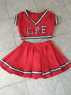 Disfraz de porrista Cheerleader Halloween Costume, Cute Halloween Costumes, Cheer Outfits, Girl Outfits, Fashion Outfits, School Girl Fancy Dress, Cheer Picture Poses, Bff Birthday Gift, Cheerleading Uniforms