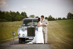 www.christophersstudio.com and this country wedding site made for some great images together