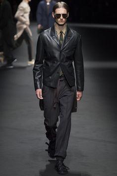 Versace Spring 2017 Menswear Fashion Show - Celine Bouly