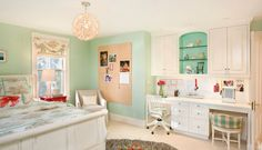 Teenage room with touches of turquoise