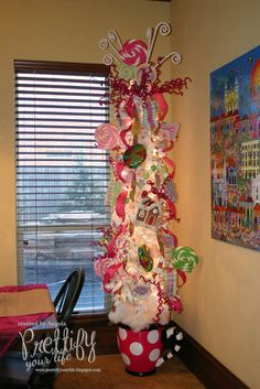 Prettify Your Life: Episode 118: Sweets Tree 2012 @Krista Wilcox   This made me think of you!
