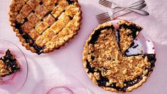 coconut-lime-crumble blueberry pie sliced and plated Summer Desserts, Just Desserts, Delicious Desserts, Summer Food, Summer Recipes, Pie Dessert, Dessert Recipes, Cheesecake Recipes, Pie Recipes