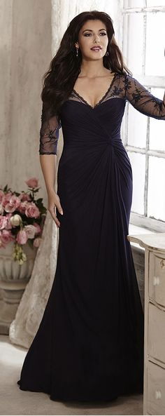 Alluring Chiffon V-neck Neckline Sheath Mother Of The Bride Dresses With Beaded Lace Appliques