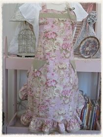 The Polka Dot Closet: Romantic Shabby Aprons