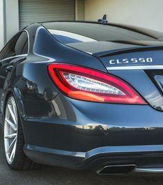 Mercedes - Cars and motor Mercedes Cls550, Mercedes Benz Models, Classic Mercedes, Carros Audi, Carl Benz, Motorcycle Jeans, Daimler Ag, Mercedez Benz, Premium Cars