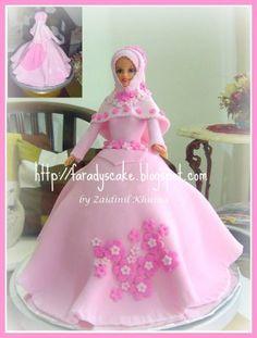 Barbie (Princess) and Doll Cake | Faradyscake