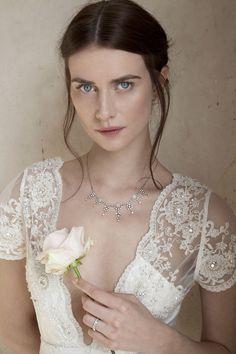 FAYE DINSMORE | SYL KELLY BODA @susymarple Lace Wedding, Wedding Dresses, Times, Fashion, Bride Dresses, Moda, Bridal Gowns, Fashion Styles, Weeding Dresses
