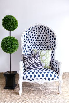 Katie Kime blue and white birdcage chair. Upholstered Furniture, Home Furniture, Interior And Exterior, Interior Design, Love Chair, Living At Home, Take A Seat, Cool Chairs, Decoration